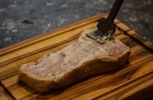 Applying mayo to sous vide steak - Sous Vide Ways